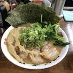 91242081 - らぁ麺大(¥880)+海苔増し(¥120)+チャーシュー増し(¥230)+ほうれん草(¥120)