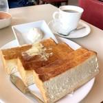 喫茶室ルノアール - 料理写真:ハニートースト〜北海道クリームチーズ添え〜、ブレンドコーヒー
