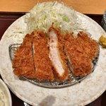 とんかつ棟田 - ロースカツ定食 948円