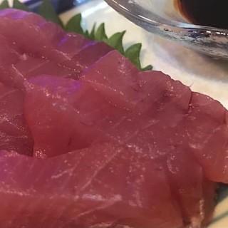 旬の魚介料理が自慢