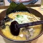 白樺山荘 - 味噌ラーメン(780円)