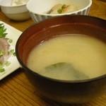 圓遊 - 「本日のランチ」の味噌汁
