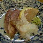 圓遊 - 「本日の焼き魚定食」の刺身