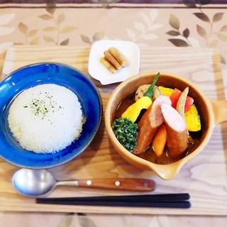 かわいいオレンジの土鍋がスープカレー近江屋トレードマーク!!