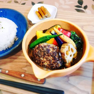 地元の食材【京赤地鶏】【京の肉】【京都ぽーく】のスープカレー