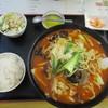 栄昇閣 - 料理写真:牛肉ラーメン(╹◡╹)♡