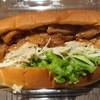 くまのPAN屋. 帯屋コッペ Plus - 料理写真:照り焼きチキンと金ゴマごぼうサラダ