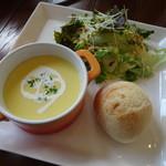 カフェアンジェ - 料理写真:スープランチ 塩チーズクリームパンケーキ ベーコントッピング