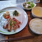 創作中華料理 香町 - 肉ランチ(豚ロースのソテー)800円