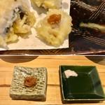 91271215 - 鱧の天ぷら                       梅肉と粗塩で頂きました。梅肉が爽やかでいい。