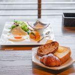 京都モダンテラス - 薪焼きベーコンと自家製ハムのブレックファースト