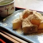 茶処 玉冨久 - わらび餅 450円