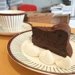 徳光珈琲 - 料理写真:自家製ガトーショコラ