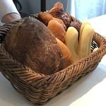 AMOUR - パンはお好きなだけ・・