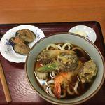 大黒屋 - 海老天(さいまき)1本、椎茸天2個、オクラ1/2本、茗荷天一個、ナルト一枚、ネギ-茄子の煮浸し味噌乗
