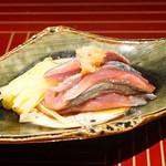 京ダイニング 吟 - 黄ニラと新秋刀魚のタタキ