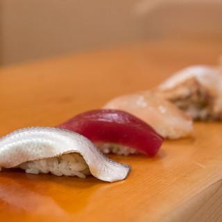 江戸前鮨の原点を、昔ながらの「お好み」でいただく