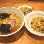 らーめん 北斗 - 料理写真:らーめん+小チャーハン+小餃子