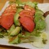 七福 - 料理写真:トマトとアボカドのサラダ