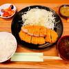 豚喜 - 料理写真:ロースカツ定食(800円)