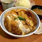 アグーとんかつ コション - *ロースかつ丼(¥1,000) (キャベツ・漬物・豚汁付き)