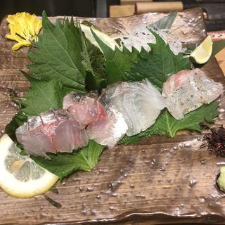 雫月 - 昆布ジメされたアジと真鯛の生ハム。 美味し。