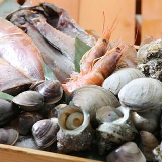 伊勢湾の豊穣な海の幸を、貝類を中心にお届け