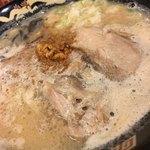 豚とろ - 料理写真:豚とろラーメン(こってり&かため)840円