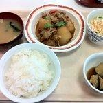 札幌市建設局下水道庁舎食堂 - 日替わり定食(肉じゃが)