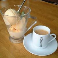 スパイスノート - バニラアイスにエスプレッソをかけて食べる、コンパンナ