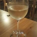 ワイン食堂 Kirakuni -                                白グラスワイン (シャルドネ)