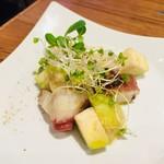 spanish kitchen perca(スパニッシュキッチン ペルカ) - タコのカルパッチョ 518円(税込)