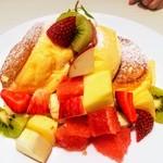 幸せのパンケーキ - フレッシュフルーツパンケーキ@1390
