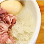真鯛らーめん 麺魚 - スープはジュレ状!