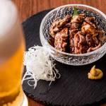 レトロ肉バル 炙りやん - とろける牛タンチャーシュー ¥880
