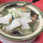 萬華城飯荘 - アワビと野菜鍋