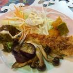 パスタミマツ - ランチのサラダ