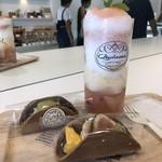 キュダモ - かき氷(桃)とどら焼き