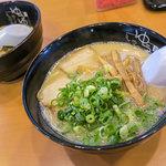 糸島ラーメン ゆうゆう - 料理写真:「Cセット」(1,000円)。ラーメンorまぜ麺+やきめしのセット。