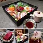 完全個室とこだわり和食 日の膳 - 鮮魚盛り合わせ(一人前)880円 ※写真は二人前