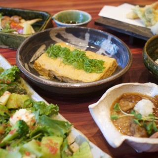 お酒に合う和食ベースのお料理