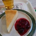 ニューヨーク・デリ - ニューヨークチーズケーキ。