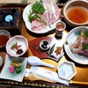 越後屋旅館 - 料理写真:最初にこのお膳が運ばれます。