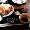 じろ吉 - 料理写真:唐揚げランチ(ご飯大盛) 焼肉屋さんらしく、キュウリのキムチとモヤシのナムル、韓国海苔が付いていて、なかなかいい感じ。