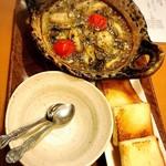 ダイニング ハルコマ - 牡蠣のアヒージョ