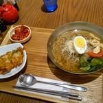 韓美膳DELI - 冷麺とチヂミのセット