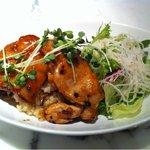 9137840 - 18食限定のランチ おしゃれで美味な鶏の照り焼き丼