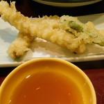 なにわ - 鰹のびんた定食の腹皮天ぷら