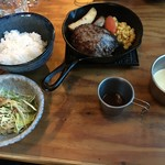 outdoor grill&cafe  STOVE - (料理)黒黒ハンバーグ定食