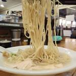 味噌ぶりNoodleみやみや - 冷たい鶏そば800円麺アップ